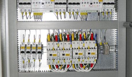 Щит АВР 50А на контакторах EATON, c двумя сетевыми вводами и резервным вводом от дизель-генератора. Схема управления АВР выполнена на БУАВР.С.220 и БУАВР.ЭА.220.12/24.